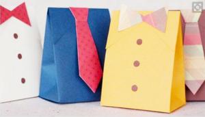Pacchetto regalo a forma di camicia